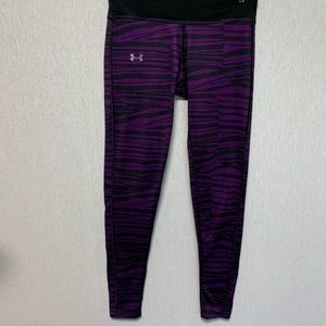 Under Armour fitted cold gear leggings size M